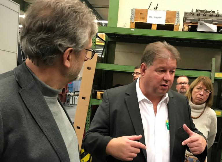 Betriebsführung mit Geschäftsführer Uwe Waidelich durch das Maschinenbauunternehmen Waidelich-mechanik GmbH in Kleinheubach.